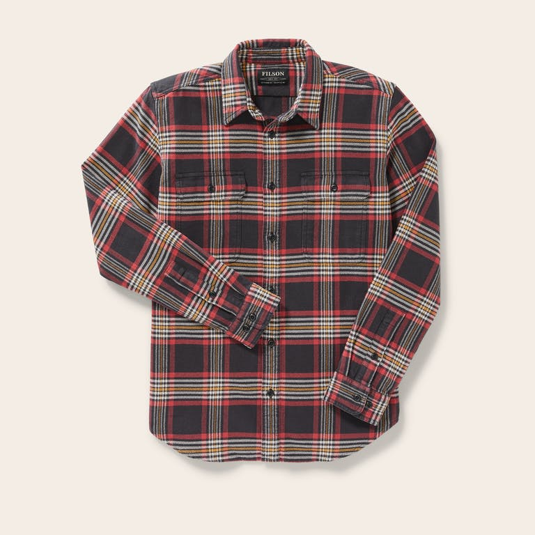 Discover the Filson Vintage Flannel Work Shirt. Our warm cotton button-down shirt has a soft brushed-twill interior.