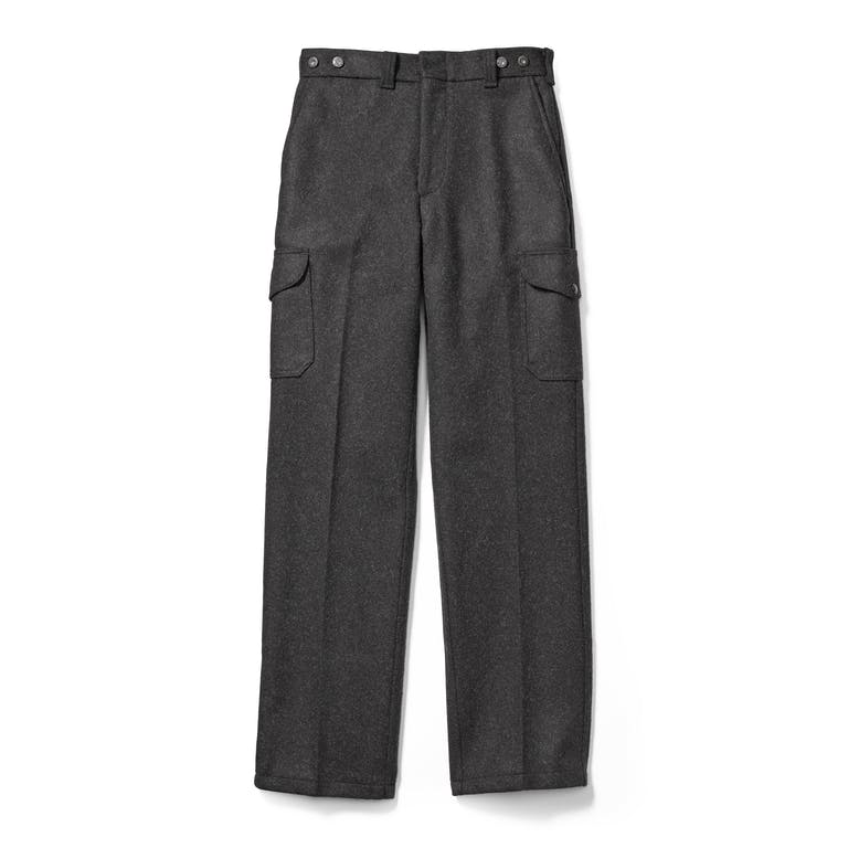 Discover the Filson Mackinaw Wool Field Pants. These naturally water-repellent, straight leg pants are made with durable 100% virgin wool.