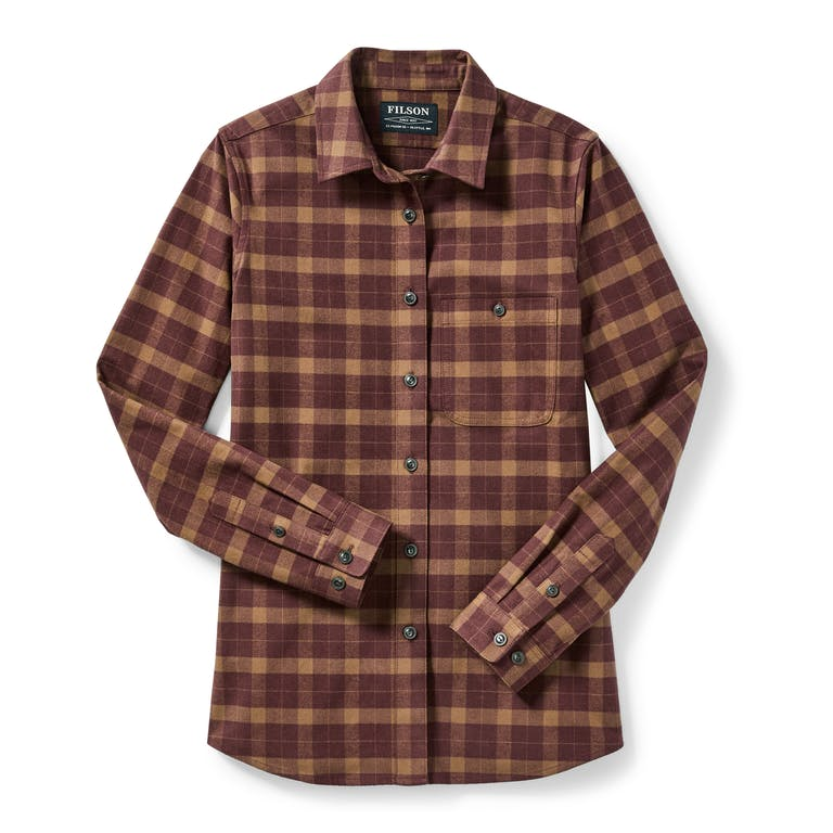 Discover the Women's Alaskan Guide Shirt. Our iconic flannel shirt has a tailored fit for comfort and mobility.