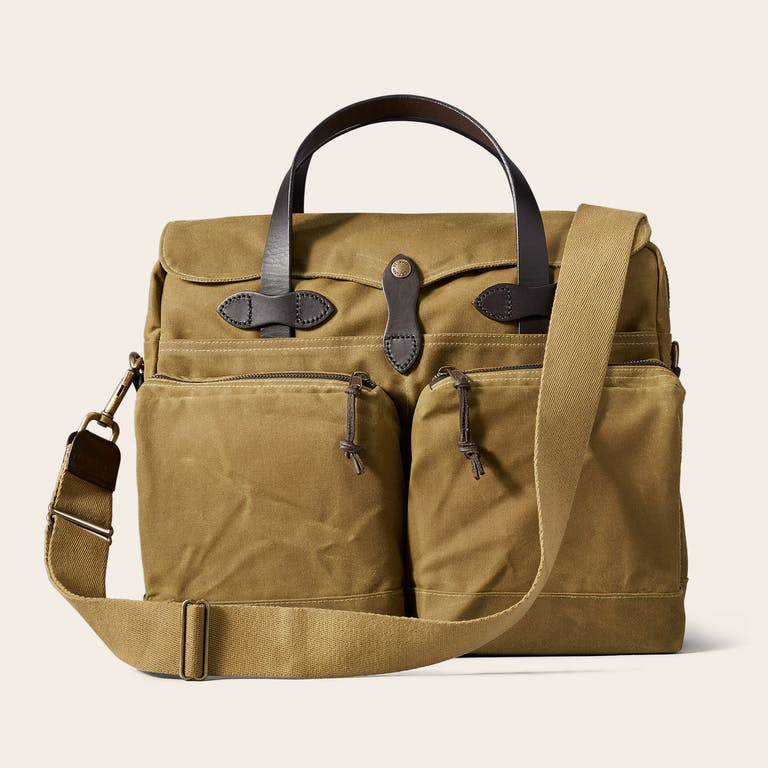 Discover the Filson 24-Hour Tin Cloth Briefcase. Designed for all weather conditions, our water-repellent, fully lined Tin Cloth briefcase and laptop bag.