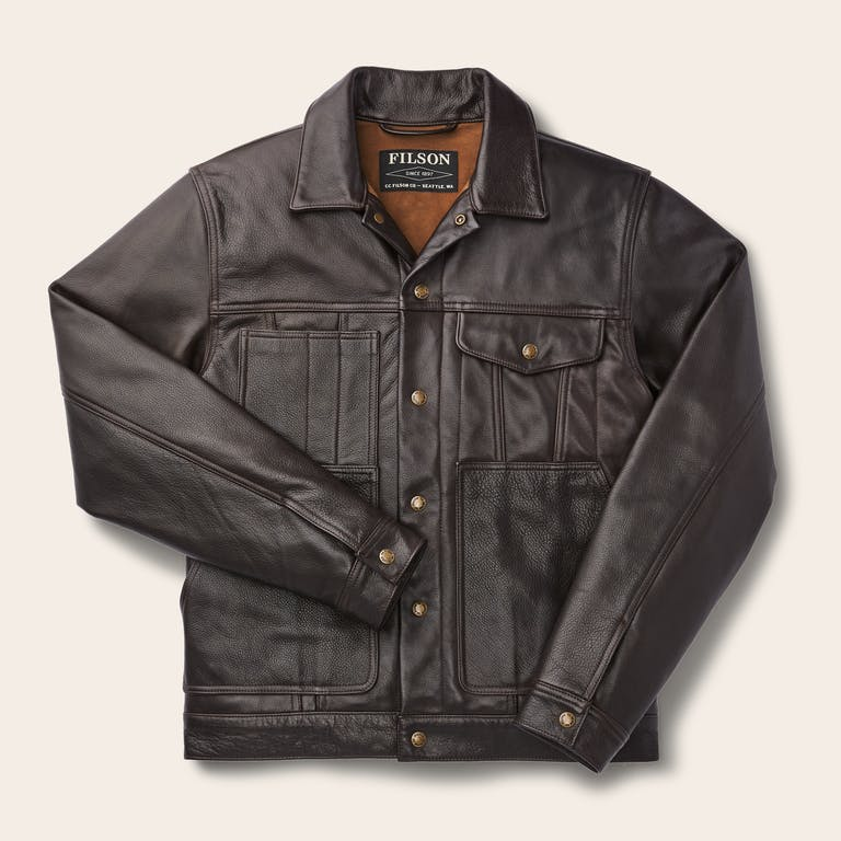 Discover the Filson Leather Short Cruiser. A limited-edition, heirloom-quality version of our classic Short Cruiser.